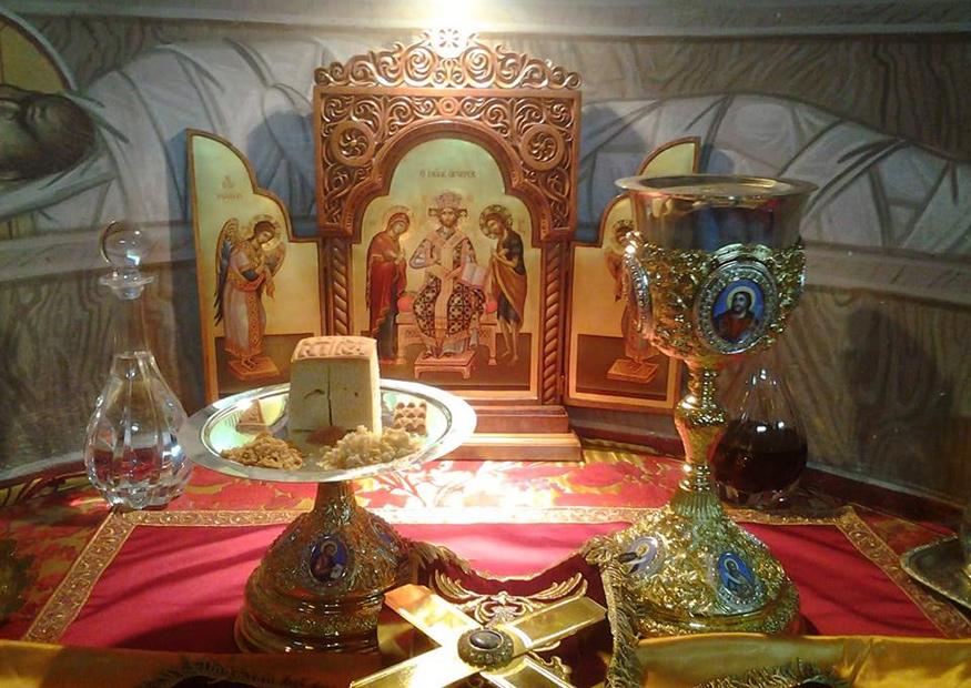 Des Nouvelles de la Russie - foi chrétienne orthodoxe - recettes - moeurs et traditions Altar_table_orthodox_01_875x620