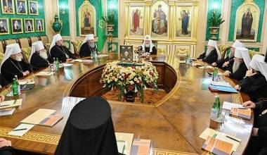 Russian Holy Synod: We Will Stop Commemorating Greek Primate if He Commemorates or Recognizes Schismatics
