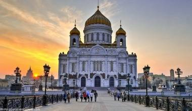 Russia Built 3 Churches Per Day, 1000 Per Year For 28 Years - A World Record
