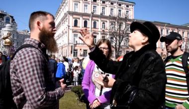 Orthodox Christian Grandma Gives Wake-Up Call to Protestant Street Preacher