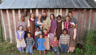 Christian Family With 14 Children, Leaving America & Moving to Russia