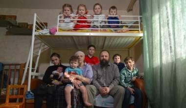 Onze Crianças em um Apartamento de Um Quarto - Criando uma Grande Família na Rússia