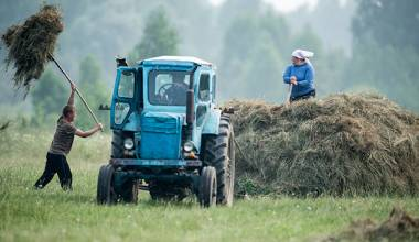 Russians are Leaving Cites for the Country, Bringing New Life to Rural Areas