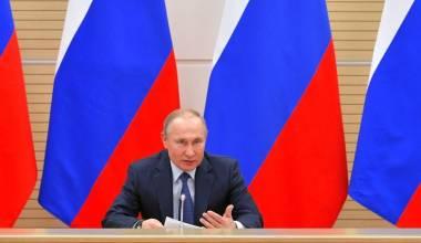 """Putini refuzon """"martesën"""" homoseksuale e konsideron amendim të kushtetutës për të mbrojtur martesën tradicionale"""