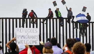 Liberals Open the Floodgates - Making America Borderless
