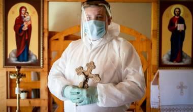 En Grecia, sacerdotes solo podrán entrar en las iglesias con un certificado de vacunación o un análisis negativo para coronavirus