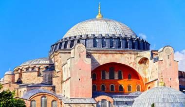 Turqia po përgatitet ta kthejë Hagia Sofinë në xhami