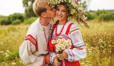Teen Marriages Are a Good Thing, Especially Christian Ones - Traditional Russian Wisdom
