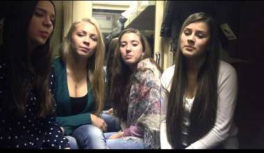 Russian Girls on a Train Sing Folk Song About Holy Russia (video)