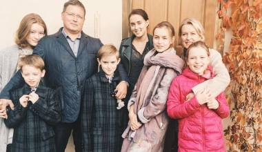 Large Families: A Challenge of Kindness and Love To the Materialistic World