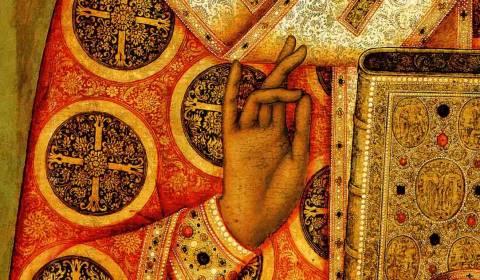 Ҫfarë kuptimi kanë gjestet me dorë në ikonat e shenjtorëve?