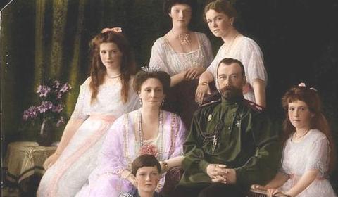 IMAGES Commémoration du 101e anniversaire du martyre de l'empereur Nicolas II et de sa famille