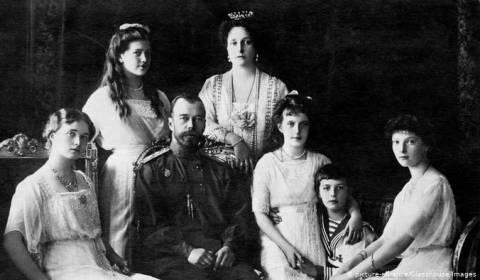 Rusi: eshtrat e gjetura në pyll u konfirmuan se i përkisnin Carit të fundit të Rusisë e familjes së Romanonëve