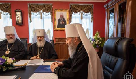 Synod of Bishops Ask Ukrainian Government to Stop Persecuting Christians