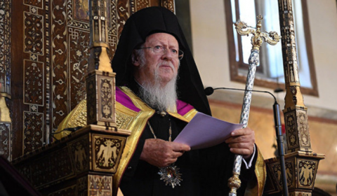 PLAYING POPE: Patriarch of Constantinople Now Wants to Rule Worldwide Church