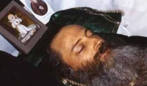 Father Seraphim Rose's face shone after he died with no embalming