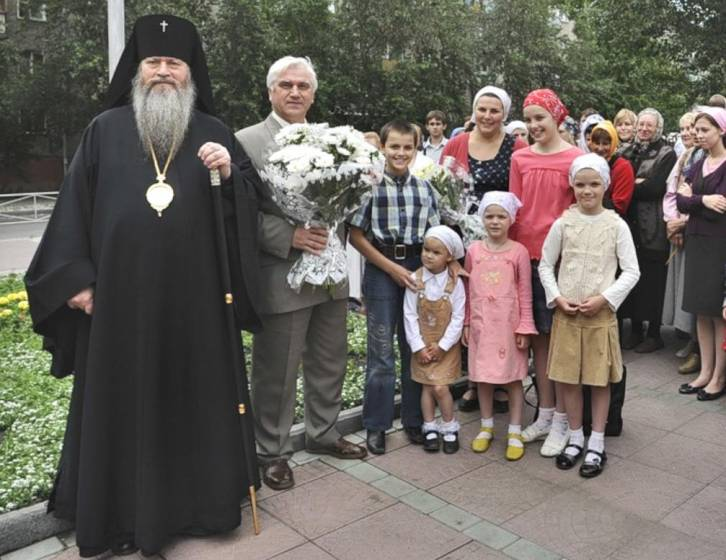 public://articles/1/2017/07/15/02c-russian-orthodox-families2.jpg