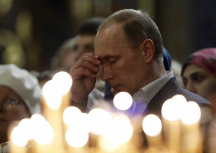 public://articles/1/2017/07/15/putin_prays.jpg