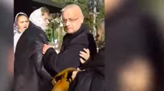 public://users/35/images/2017/10/31/220_ukrainian_catholics_raid_orthodox_church_in_ukraine_with_help_of_neo_nazi_muscle_youtube.png