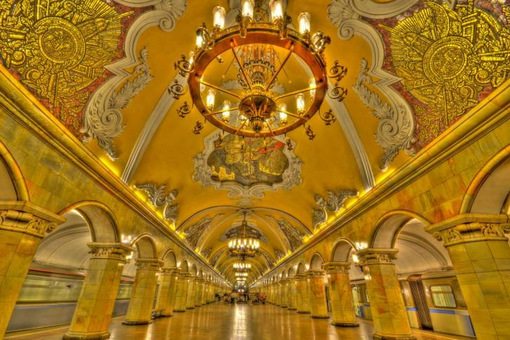 public://users/81/images/2017/08/11/worlds-most-beautiful-and-interesting-subway-stations-2.jpg